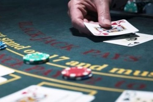 Play types of poker online games