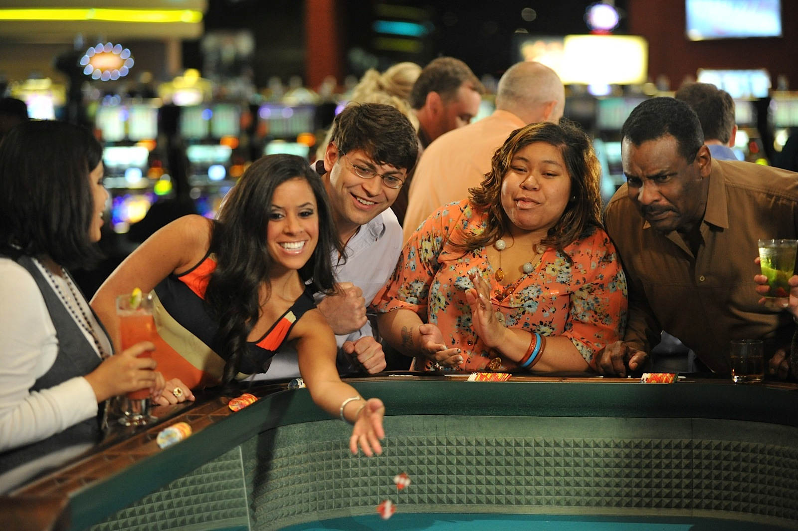 Enjoy playing casino games in online